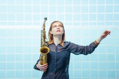 Bettina Maier: Sopran-, Altsaxophone & Clarinet